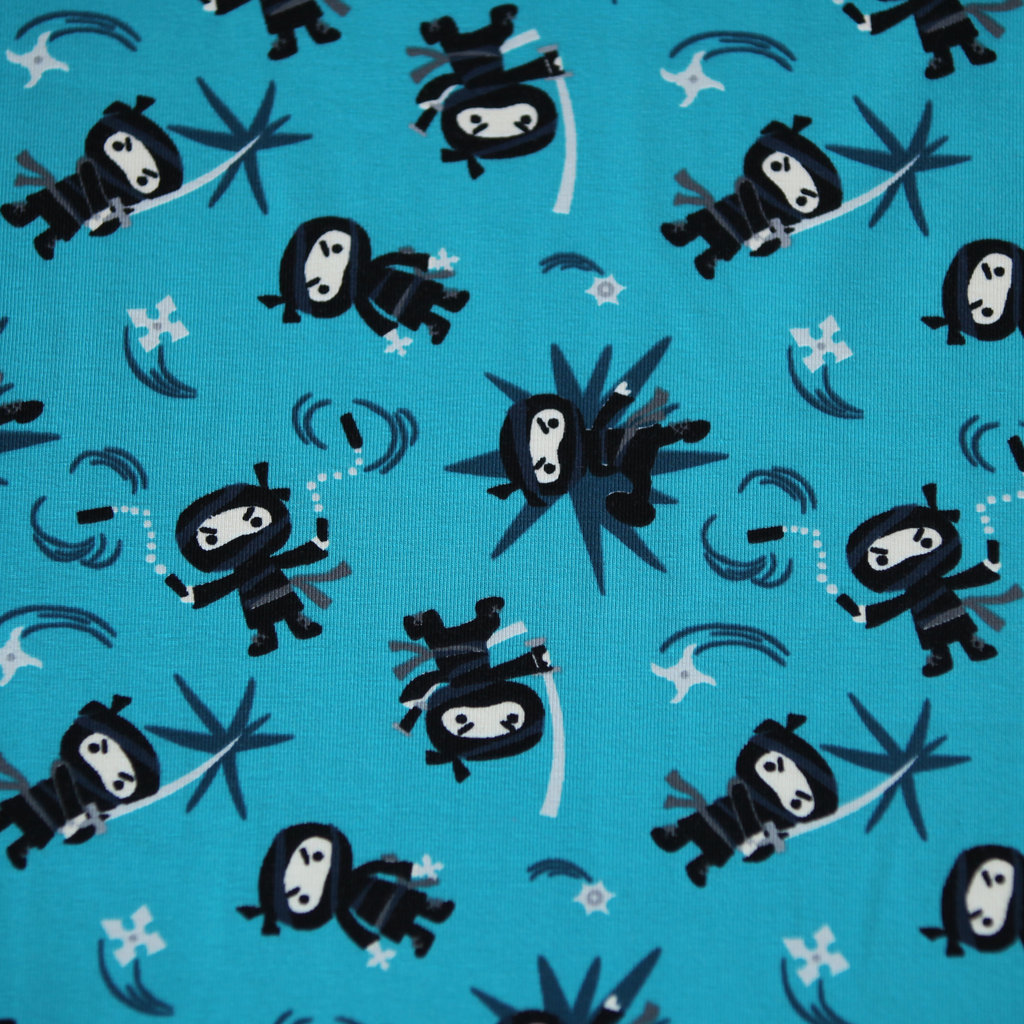 jersey stoff schwarze ninjas petrol kinderstoffe kaufen. Black Bedroom Furniture Sets. Home Design Ideas